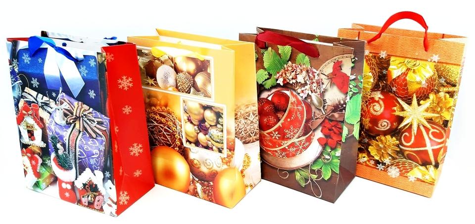 Vianočná darčeková taška 23x18x9cm