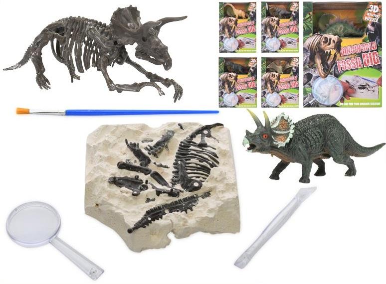 Dino skamenelina s príslušenstvom