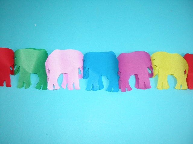 Girlanda Papierový slon 4m